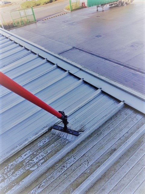 Professional Cladding Cleaning Services Throughout